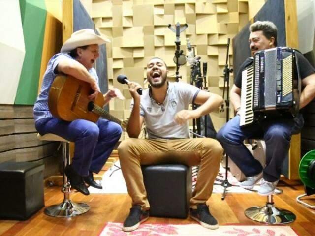 Mantendo a essência, Tostão e Guarany falam da atual música sertaneja