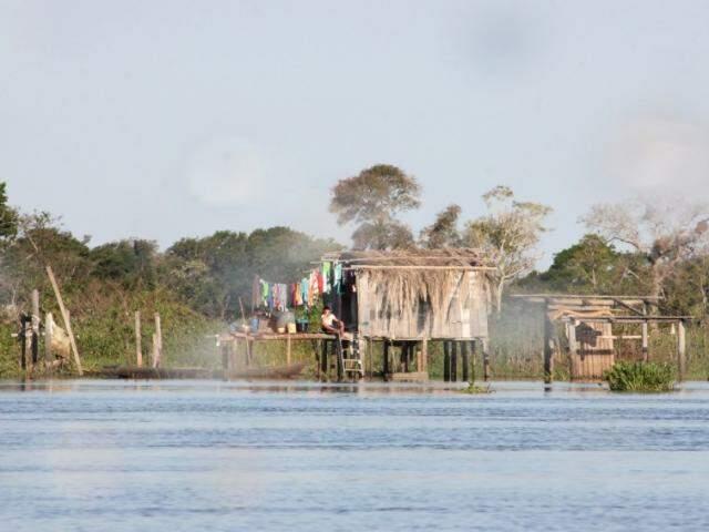 Nível do rio Paraguai, em Corumbá, vem sendo monitorado pela Defesa Civil. (Foto: Segov/Divulgação)