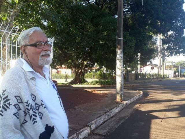 Ari Ferreira conta que a figueira pertencia ao Club Campestre Ipê (Foto: Alana Portela)