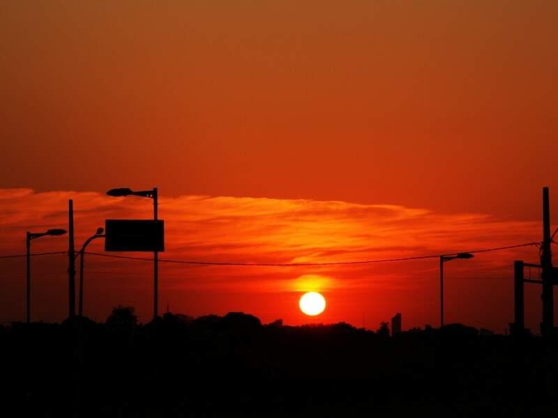 Temperatura se eleva e durante à tarde chega a 30ºC (Foto: Marcos Ermínio)