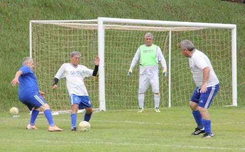 Copa da Madrugada reúne 132 atletas, com 27 gols na primeira rodada