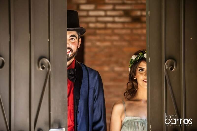 Os pezinhos já estão quase no altar, eles se casam em poucos dias. (Foto: Vicente Barros)