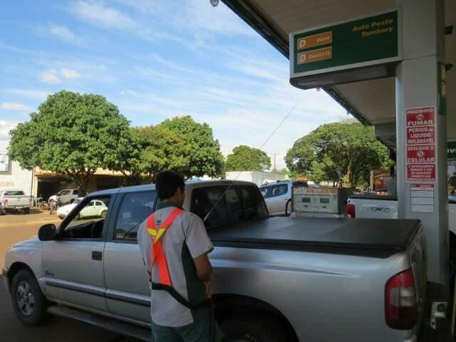 Diesel ficou R$ 0,49 mais barato em Dourados na comparação com preço praticado durante a greve de caminhoneiros. (Foto: Dourados News/Arquivo)
