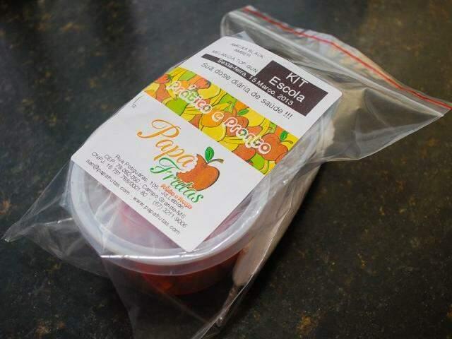 Kit escolar tem duas porções de frutas. (Foto: Marcos Ermínio)