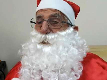 Com Papai Noel de 93 anos, começa campanha de adoção de 16 mil cartinhas