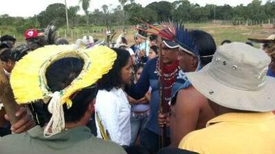 Índios Terena durante conflito na Fazenda Esperança em 2013 (Gazeta do Pantanal)