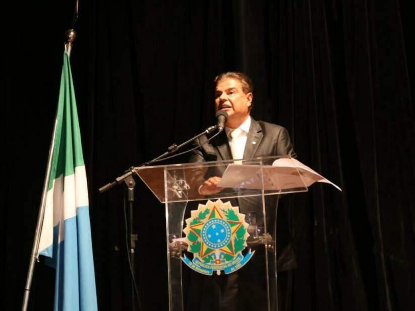 Nelsinho Trad durante discurso (Foto: Paulo Francis)