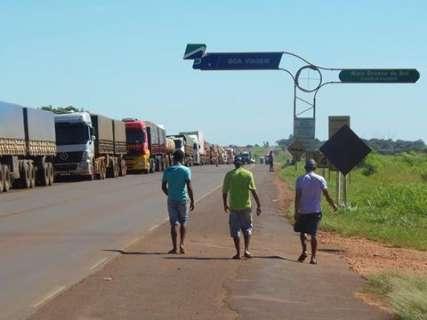 Em 9º dia de protesto, caminhoneiros bloqueiam parte da rodovia MS-134