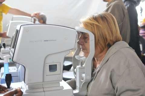 Caravana fez 1,6 mil consultas oftalmológicas no 1º dia na Capital