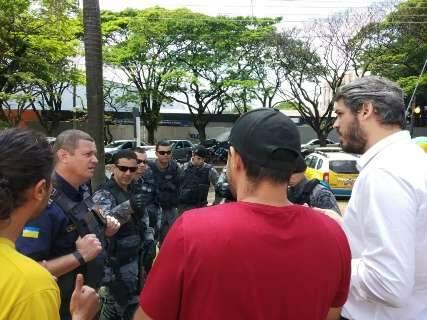 Reunião teve guardas, PMs e policiais federais armados em prédio da UFGD