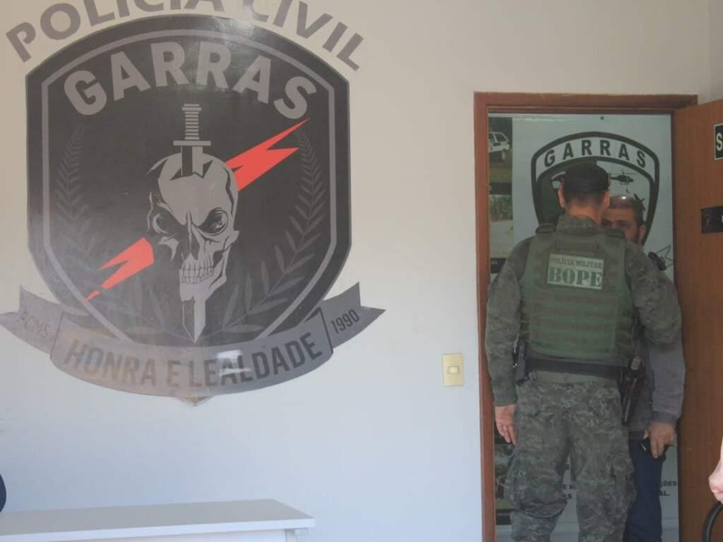 Investigação policial foi conduzida pelo Garras e denúncias à Justiça foram feitas pelo Gaeco. Na foto, policial do Bope, unidade que deu apoio às ações. (Foto: Kísie Ainoã)