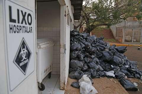 Regional acumula lixo,apesar de liminares e ter contratado coletadora