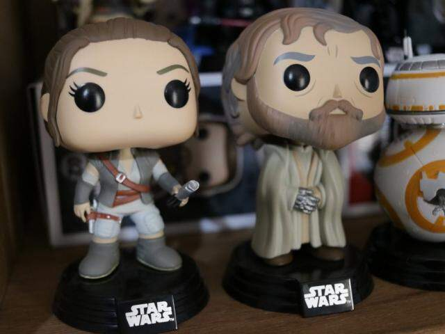 Funkos pops dos personagens Rey e Luke da franquia Star Wars (Foto: Kimberly Teodoro)