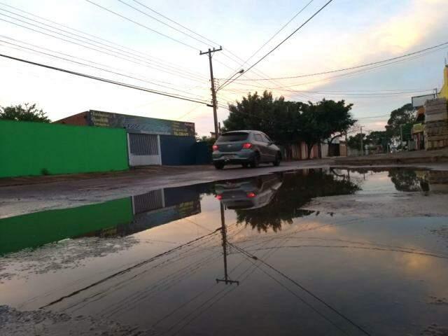 Capital registrou chuvas durante a madrugada e queda de temperatura; situação deve se repetir na quarta-feira. (Foto: Humberto Marques)