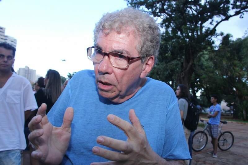 Sociólogo Paulo Cabral se diz indignado com texto do projeto. (Foto: Alan Nantes)
