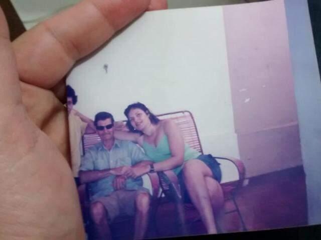 Foto na carteira é memória física da saudade que aperta o coração todo dia. (foto: Acervo Pessoal)