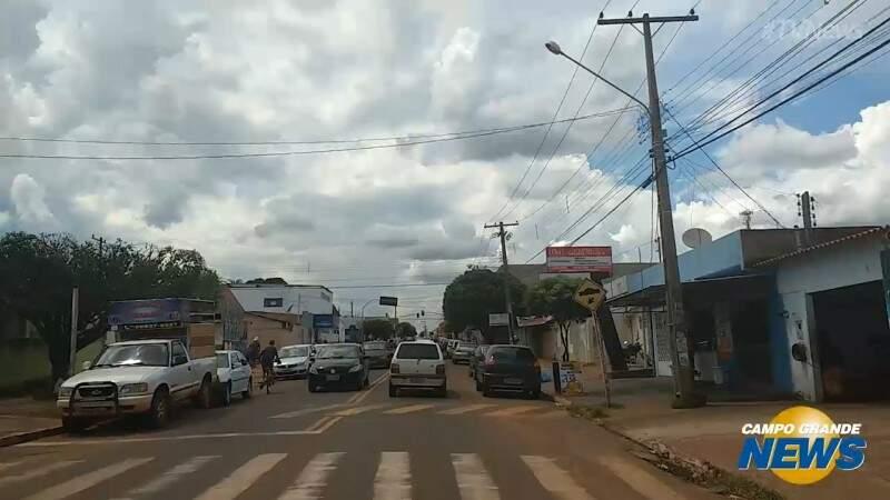 Sem agência da Caixa, moradores das Moreninhas peregrinam para sacar FGTS