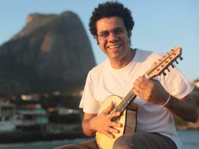 Hamilton ganhou duas categorias no 26º Prêmio da Música Brasileira (Foto: Divulgação)