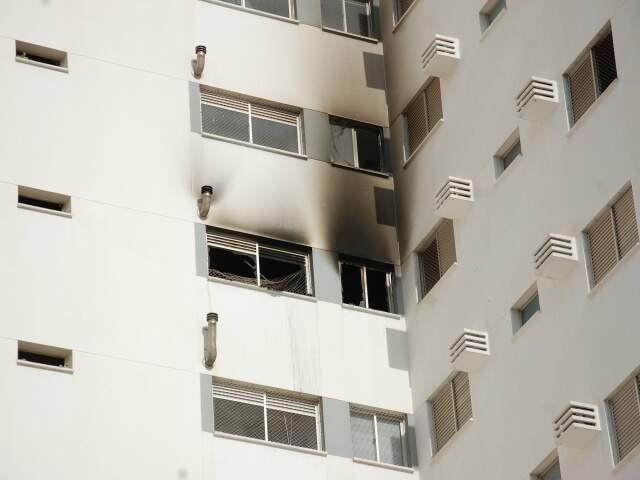 Fogo começou no 9º andar.