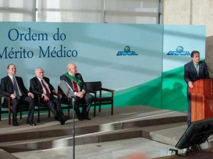 Geraldo, Mandetta e Moka recebem de Temer a Ordem do Mérito Médico