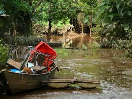 Cheia do Rio Aquidauana deixa rastro de lama e prejuízos em pesqueiros