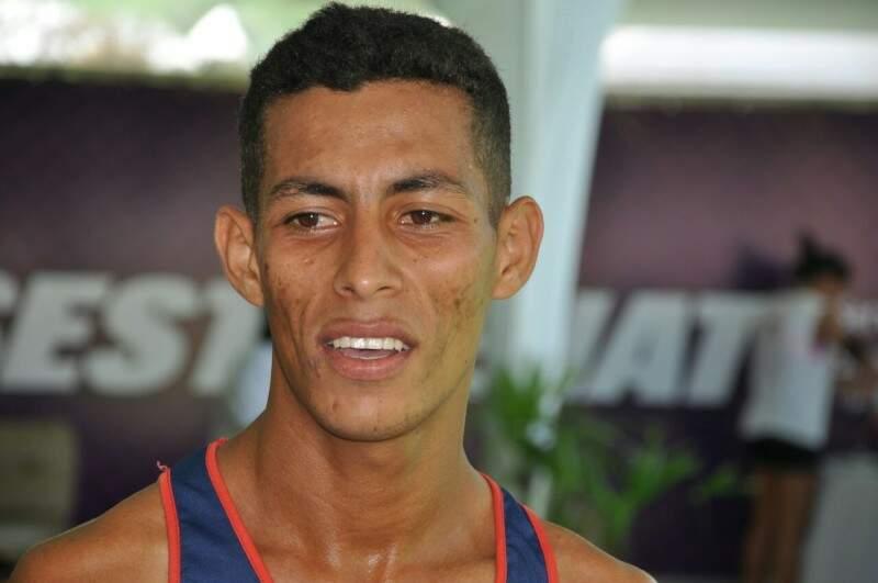 Geraldo Julião Júnior chegou em primeiro lugar, completando o circuito em menos de 18 minutos (Foto: Marcelo Calazans)