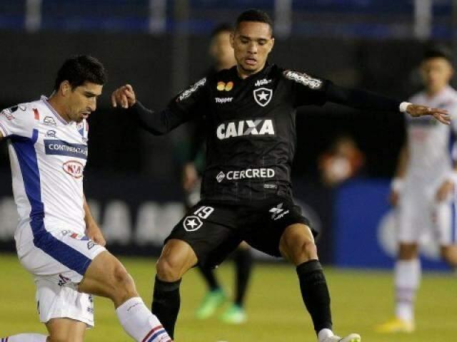 Pela frente o Botafogo tem de encarar o Bahia. (Foto: Extra)