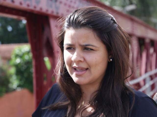 Fernanda Barbieri, advogada, durante entrevista (Foto: Kisie Ainoã)