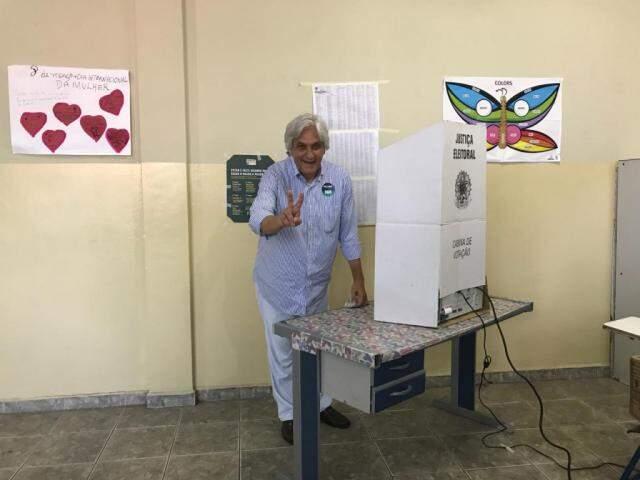 Delcídio do Amaral (PT) votou em Corumbá (Foto:  Taynara Floglio - Assessoria)