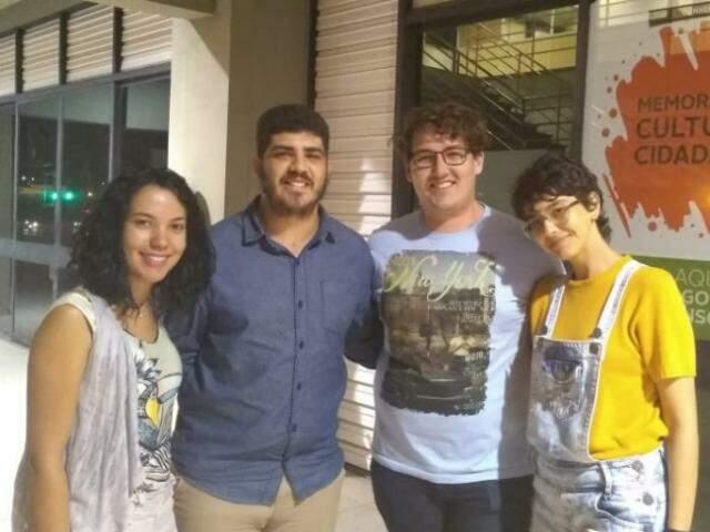 Integrantes do Cineclube. Da esquerda para diretia, Damares, Alysson, Douglas e Marianny.(Foto: Danielle Valentim)