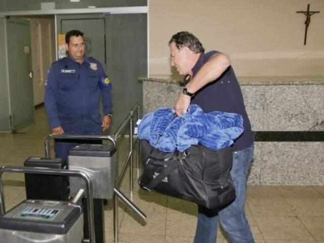 Após decisão de Moreas, Giroto se apresentou à Polícia Federal. (Foto: Fernando Antunes)