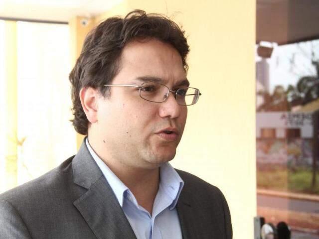 Secretário de Planejamento, Pedro Pedrossian Neto, após reunião com vereadores na Câmera Municipal. (Foto: Marcos Ermínio)