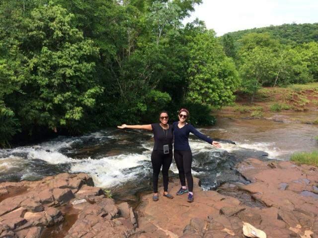 Mariana e Thayara deram o primeiro passo para um jornadas de belezas naturais em MS. (Foto: Arquivo Pessoal)
