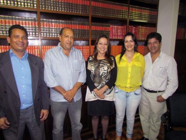 Membros do partido convidaram desembargadora Suzana Camargo, no centro, para ser vice (Foto: Divulgação)