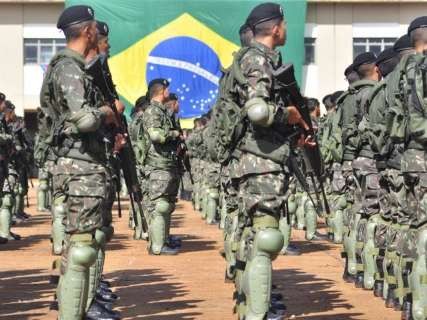 Corte de verba atinge Sisfron e afasta chance de Exército policiar fronteira