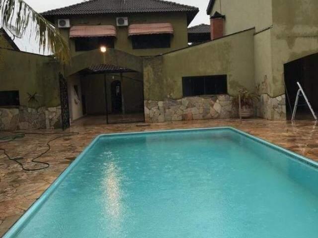 Imóvel com piscina na Vila Bandeirantes  era disponibilizado pela facção aos parentes dos integrantes do grupo criminoso (Foto/Divulgação: PF)