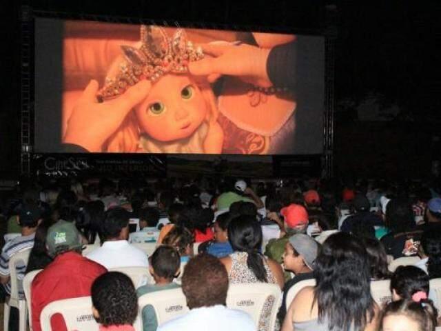 Cine Sesi foi desenvolvido em 60 municípios de MS e está na lista dos investigados pela PF (Foto/Divulgação)