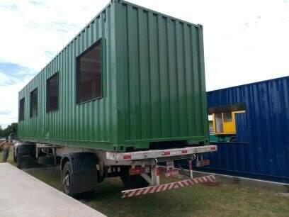 Container em processo de fabricação.