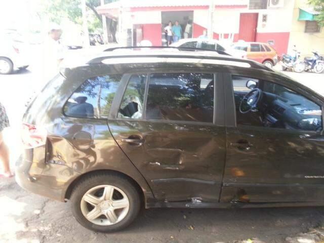 Spacefox fica bastante danificado após colisão com motocicleta. (Foto: Adriano Hany)