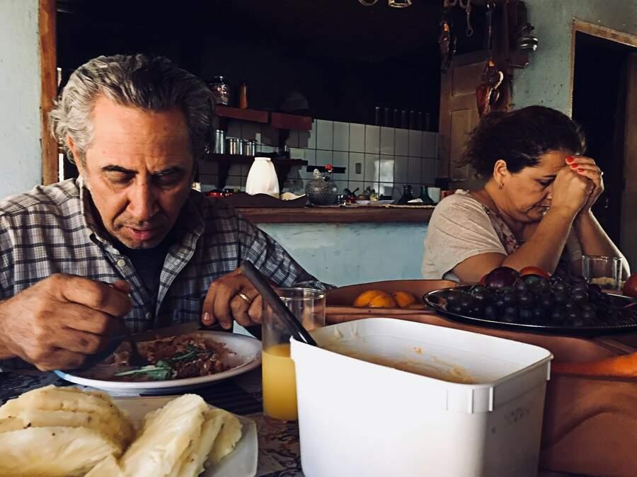 Registro no momento da refeição para encarar o trabalho. (Foto: Dick Arruda)