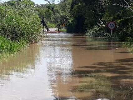Prefeitura decreta emergência após chuva destruir estradas de Caracol