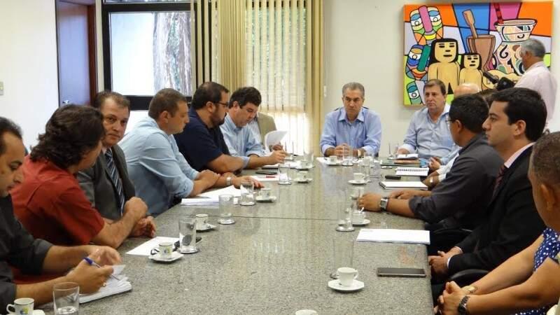 Representantes do Imasul e prefeitura de Costa Rica se reuniram nesta tarde. (Foto: Assessoria)