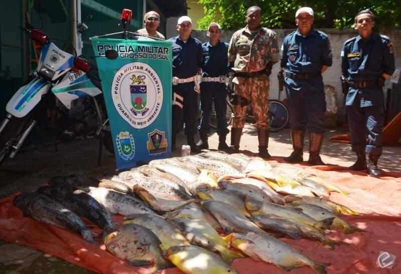 Foram apreendidos 106 quilos de Pintado e 85 quilos de Pacu. (Foto: Angela Bezerra/ Edição de Notícias)