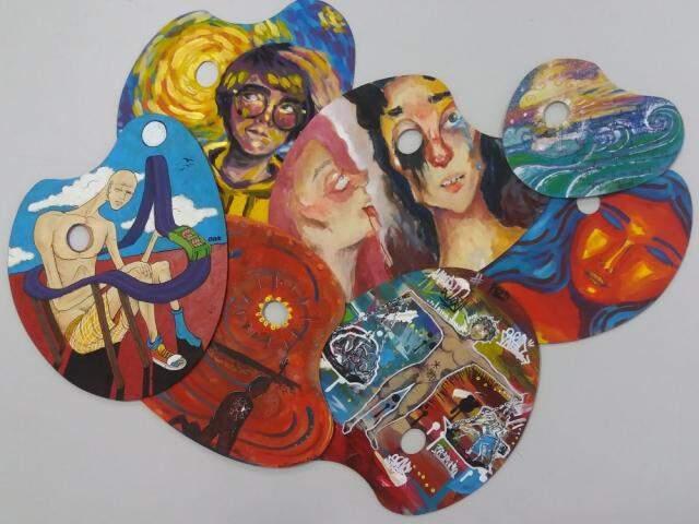 As pinturas foram feitas em paletas de cores (Foto: Divulgação)