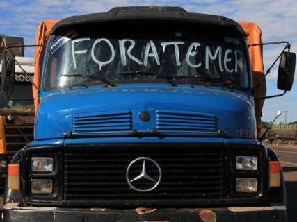 """""""Sem cabeça"""", greve tem denúncia de ameaças a caminhoneiros"""