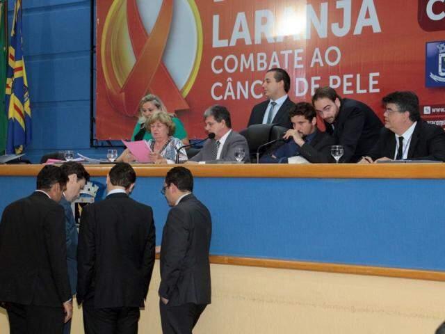 Sessão da Câmara Municipal nesta terça-feira (19). (Foto: Izaias Medeiros/Câmara Municipal).