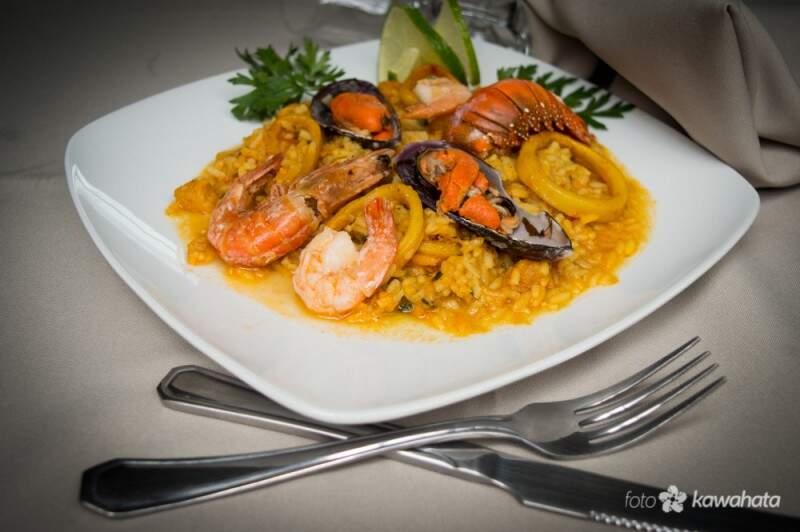 Além do bacalhau, também tem pratos com camarão e frutos do mar. (Foto: Humberto Kawahata)