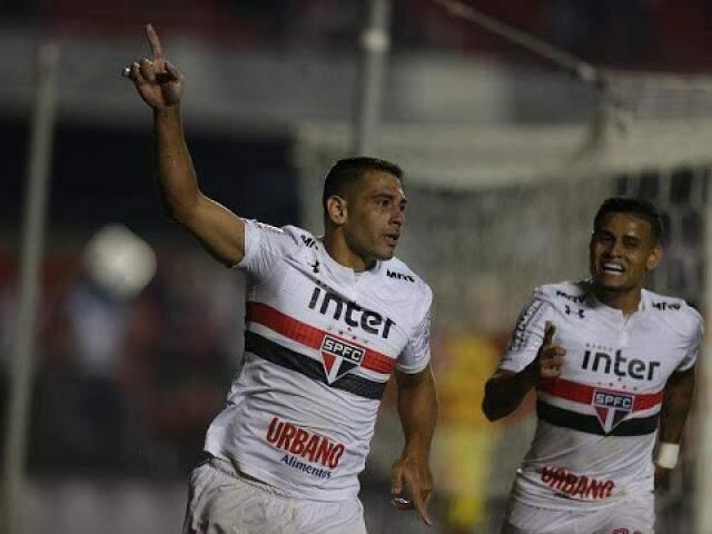 O São Paulo assumiu a liderança do grupo com 16 pontos, já o Botafogo fica em 13º com nove.