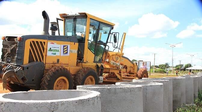 As licitações são para construção de pontes e pavimentações em rodovias e trechos urbanos de Mato Grosso do Sul (Foto: Edemir Rodrigues/Assessoria)
