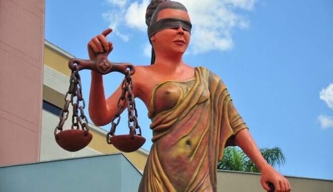 Deusa da Justiça ganhou upgrade ao custo de R$ 15 mil. (Foto: João Garrigó/Arquivo)